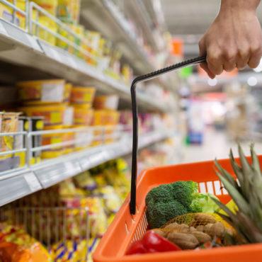 Carrefour congela precios de 1.300 productos hasta abril