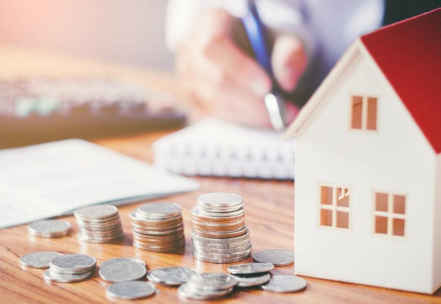 Buscan soluciones para los deudores de créditos hipotecarios en UVA: qué dicen los proyectos de Cobos y Fiad