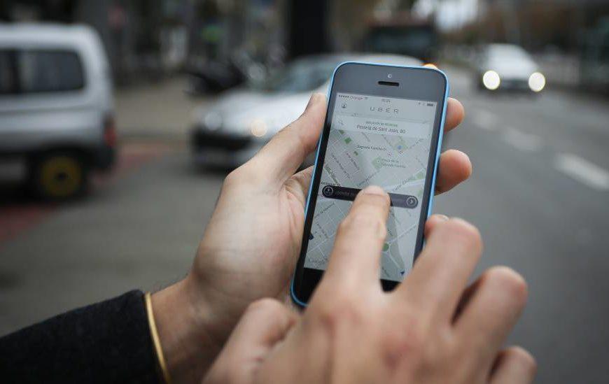Uber confirmó que ya comenzó a habilitar pagos con tarjeta de crédito