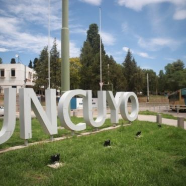 Becas 2021: ingresantes a la UNCUYO podrán anotarse del 1 al 21 de febrero