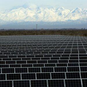 Construido por la empresa Energe con 20 mil paneles, inauguran en Mendoza el parque solar más grande de la región