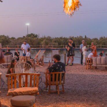 """Inauguró en Maipú el wakepark """"El Roble"""", el complejo deportivo outdoor con gastronomía y coctelería"""